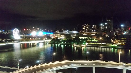 Mercure Brisbane : View over South Bank Parklads and West End