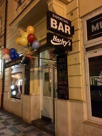 Harley's Bar