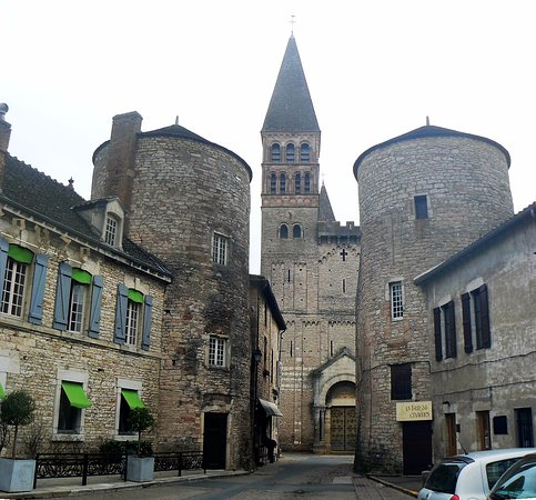 Tournus, Francja: Facade et tours de l'ancienne enceinte (r. Thibaudet)