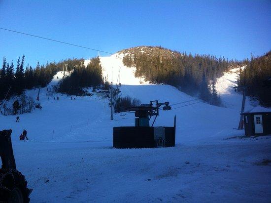 Gaustablikk Skisenter: One of three open slopes