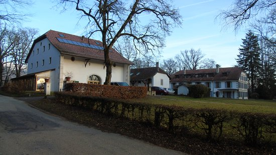 Bogis-Bossey, Switzerland: The Dwelling Units at Chateau de Bossey are spread around and offer a good walk from the main ho