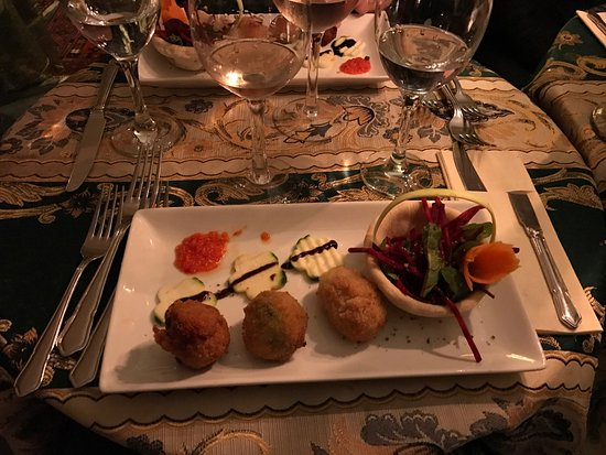 Mediterraneo Restaurant: photo0.jpg