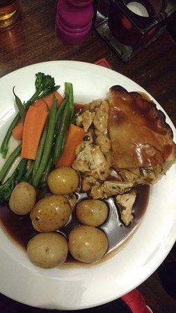 Swanscombe, UK: Chicken and Tarragon Pie