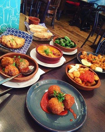 La Tasca - Canary Wharf: Our delicious feast