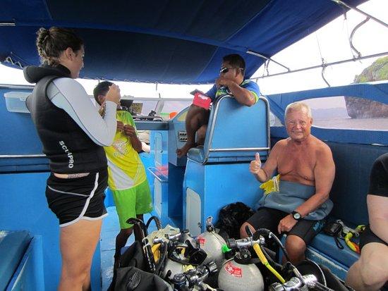 Aqua Vision Scuba Diving : Relaxing between dives
