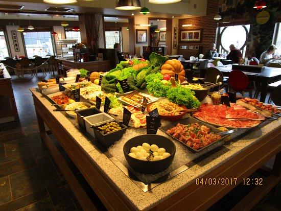 Drogenbos, Bélgica: Le buffet (froid) d'entrées.....