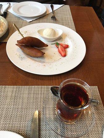 Mersin menu tatli picture of divan hotel pub istanbul for Divan hotel mersin
