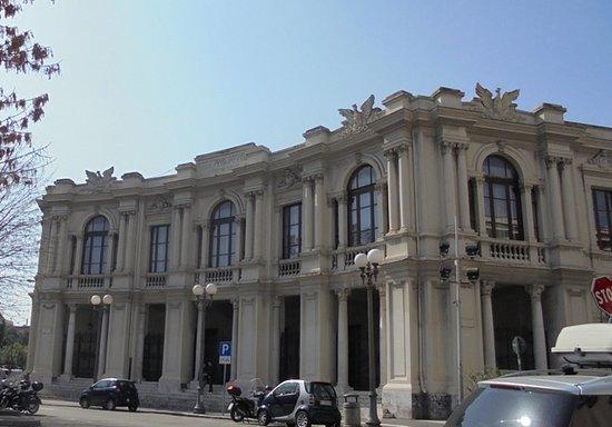 """Palazzo della Provincia o """"Palazzo dei Leoni"""""""