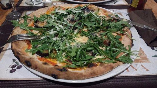 Mont Saint Guibert, Belgique : Pizza parmigiana (aubergines)