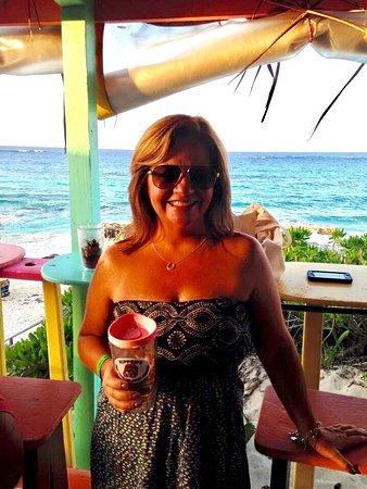 Great Abaco Island: My favorite beach bar 💕🍹