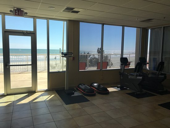 Westgate Myrtle Beach Oceanfront Resort: This is photos of the beautiful beach and the gym for the interested.