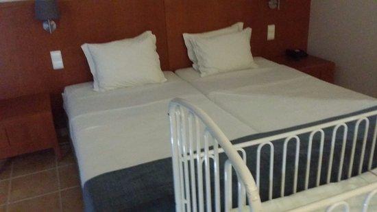 Aparthotel Paul do Mar: Кровати