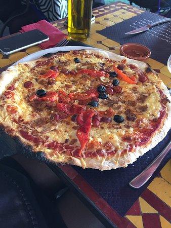 Cabestany, فرنسا: Pizza super bonnes et très généreuses !