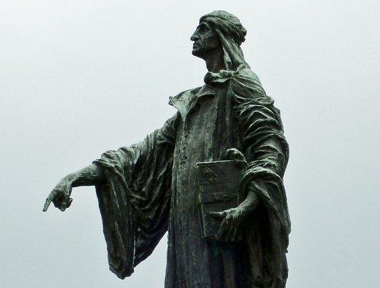 Monumento a Cecco d'Ascoli