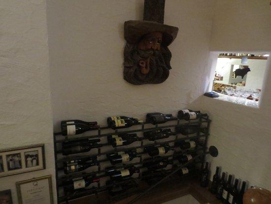 Schäferhof: Weinvorrat