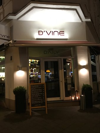 d 39 vine restaurant weinbar d sseldorf unterbilk restaurant avis num ro de t l phone. Black Bedroom Furniture Sets. Home Design Ideas