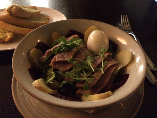 101 Brasserie & Bar: Lovely Tuna Salad and Chocolate Brownie