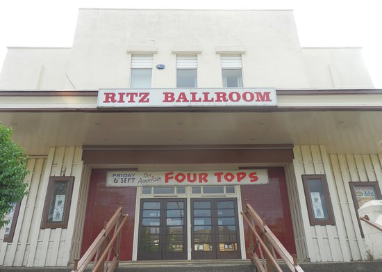 ‪The Ritz Ballroom‬