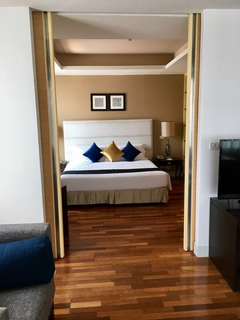 The Duchess Hotel and Residences: photo1.jpg