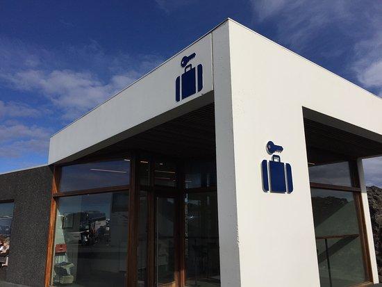 Grindavik, ไอซ์แลนด์: スーツケースを預けることもできます