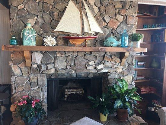 Elizabeth Pointe Lodge: photo3.jpg
