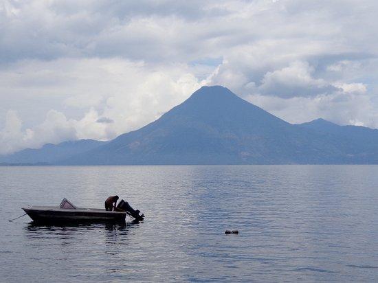 Lake Atitlan, Guatemala: Sincretismo ancestral.