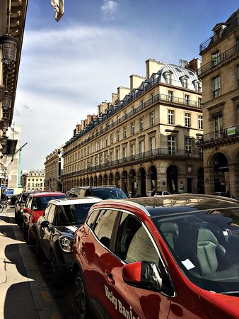 The Westin Paris - Vendome: Stayed at Westin V last Fall, amazing staff and service. Centrally located minutes from Louvre,