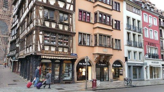 Hotel des Anges : Sichtbar die Nähe zum Münster