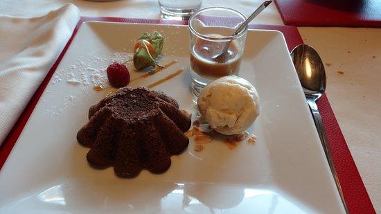 La Table du Trappeur: dessert moelleux au chocolat
