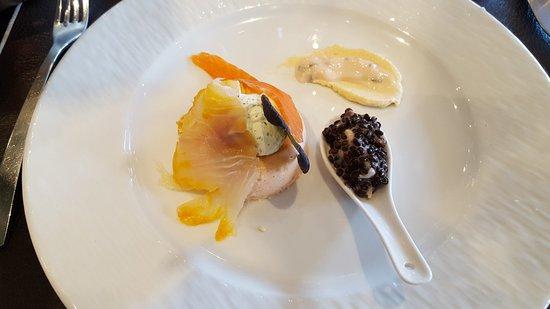 Chauray, Francia: entrée : délice de truite mousseline de peril