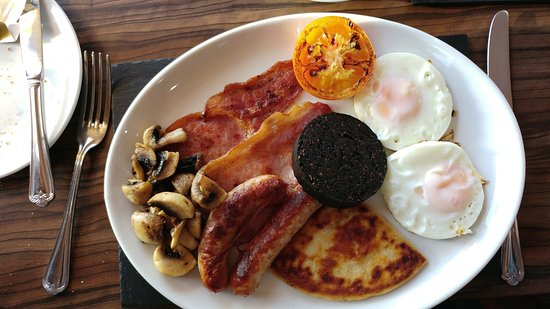 Heath Hill Hotel: We got a large breakfast, photo shows part of mine.