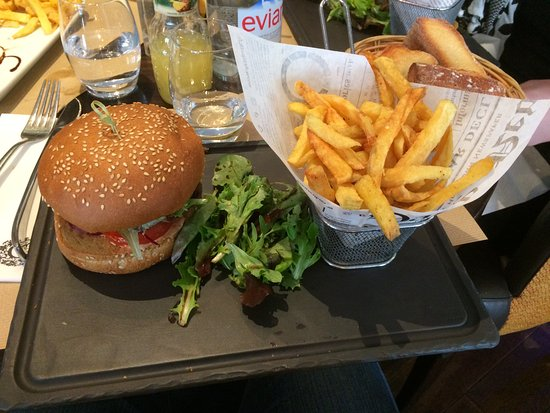 Verrieres-le-Buisson, Francja: Cheese Bacon Burger Le Grey
