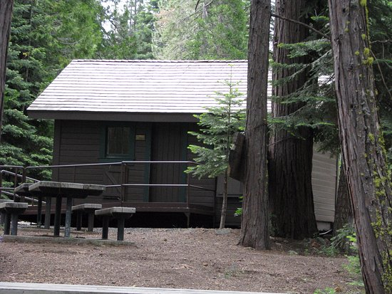Butte Meadows, CA: Old Logger cabin at Picnic area