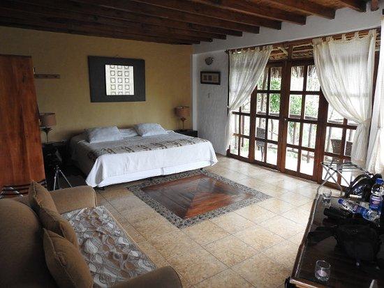 Samai Ocean View Lodge Spa: Large bedroom with balcony