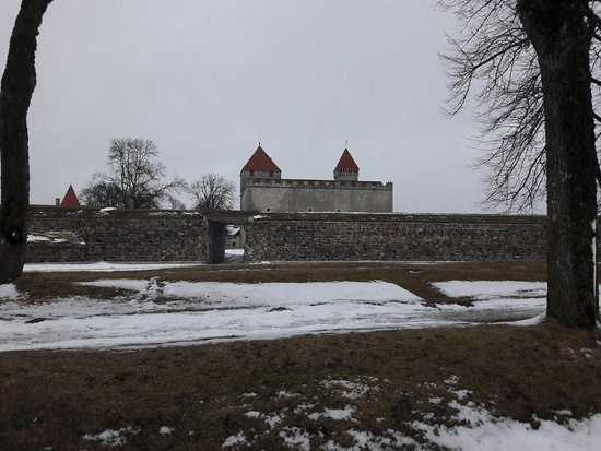 Saaremaa, Estonia: this photo is taken outside the castle defence walls. it is the back of the castle.