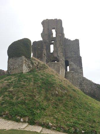 Corfe Castle, UK: photo2.jpg