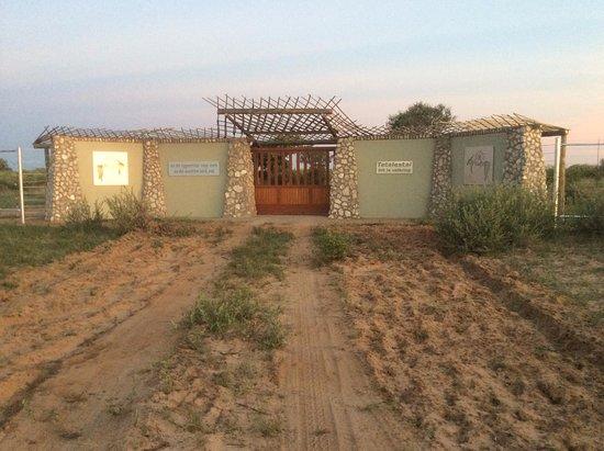Kang, Botswana: Entrance to the Lodge