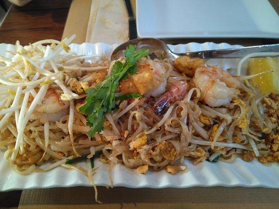 Bangkok Cafe: Pad Thai