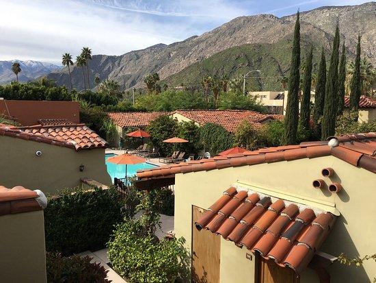 Los Arboles Hotel: View from rooftop patio