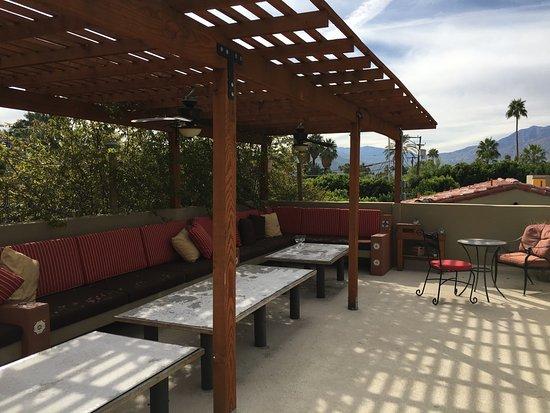 Los Arboles Hotel: Rooftop Patio
