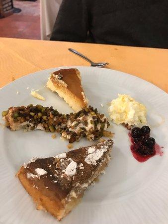 Archidona, Spanien: Selection of desserts