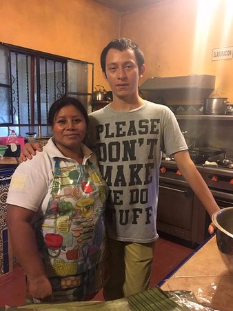 Casa Hamaca Guesthouse: A couple of folks that make the delicious food at Casa Hamaca