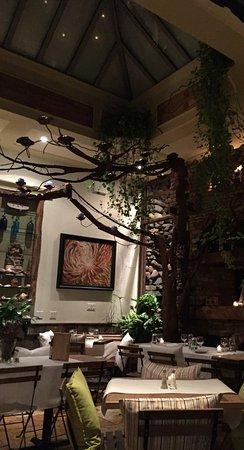 Le Petit Cafe: Dining area