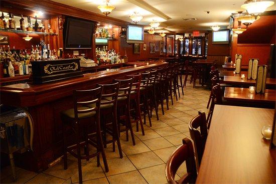 Oldcastle Pub & Restaurant : 2nd Floor Bar