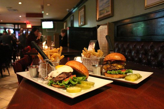 Oldcastle Pub & Restaurant : Times Square Burger and Dublin City Burger