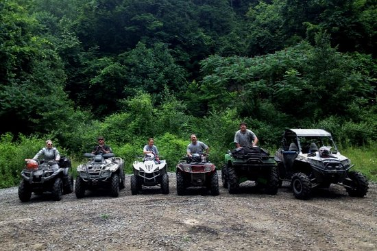 Northfork, Virginia Occidental: A group of guests enjoying Hatfield McCoy Trails