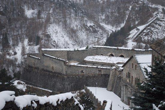 Fenestrelle Fortress: Forte di Fenestrelle innevato..oltre 1300 mt