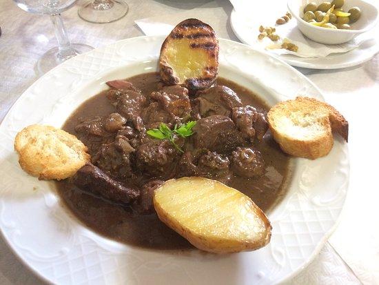 Restaurante Juquim: Restaurante céntrico en el precioso pueblo de Espot. Trato familiar,comida abundante y excelente