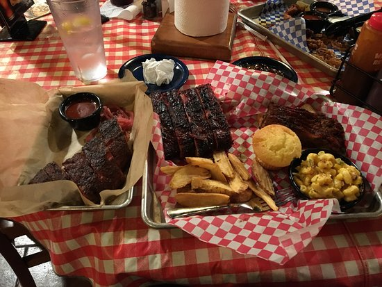 Famous Dave's : photo0.jpg