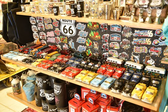 Route 66 Mother Road Museum: Good souvenirs in the museum shop